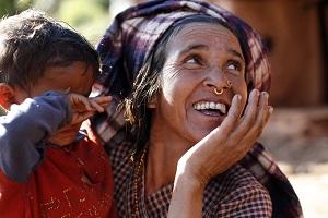 Nepal_Naisten Pankki_nainen ja lapsi_300px