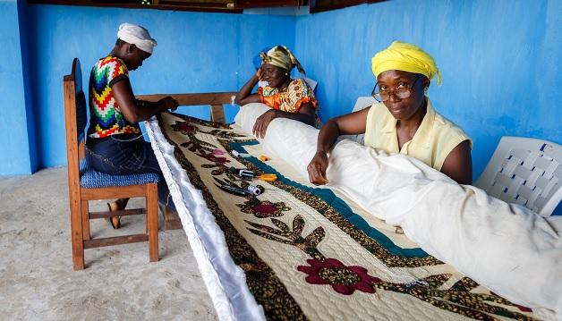 Ompelijat_Liberia_Naisten Pankki_628px