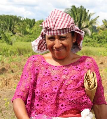"""""""Det bästa är att få lära sig hur vi kan hjälpa oss själva. Och när vi lärt oss för vi kunskapen vidare till våra familjer och andra bybor"""", berättar Juliana Macz i Guatemala. Bild: Jaana Hirsikangas"""