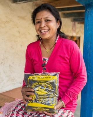 Laxmi Shrestha, 35, har nu ett framgångsrikt ekogödselföretag i Nepal.