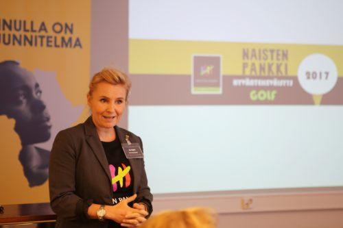 Syyspäivillä kuultiin monta mielenkiintoista puheenvuoroa. Tässä johtoryhmän jäsen Mia Nygård kertoo Golfaa Naiselle Ammatin suunnittelmista.