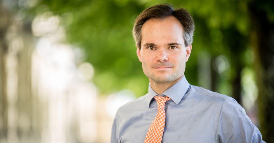 Ministeri Kai Mykkäsen Vierakynä Naisten Pankin vuosikertomuksessa.